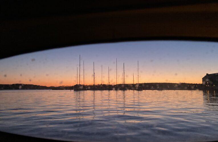 I gammel sø over Kattegat fra Anholt til Frederikssund